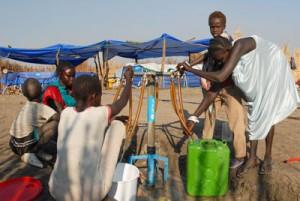 Women fetching safe drinking water in Tirgol town